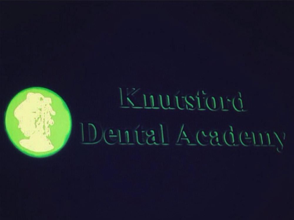 Illuminated-Signage-5